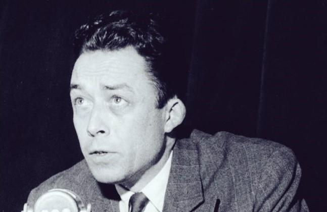 """""""Ci sono uomini impossibili da convincere"""": un pensiero inedito di Camus che sembra scrittooggi"""